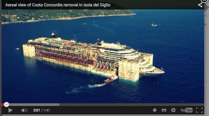 Départ du Costa Concordia filmé par un drone.