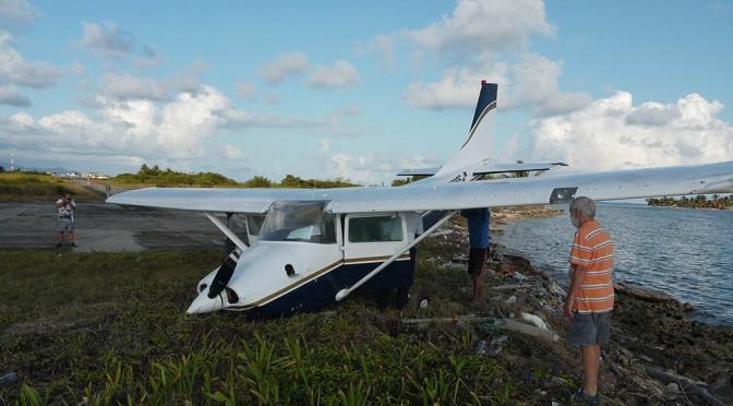 Arrivée en avion sur une île des Sanblas au Panama.